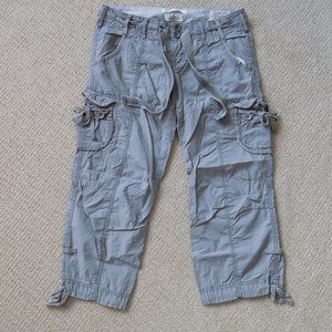 ABERCROMBIE & FITCH A & F CROPPED CARGO PANTS